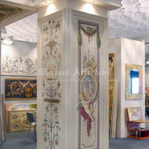 Classic frescoes on the panelling of columns